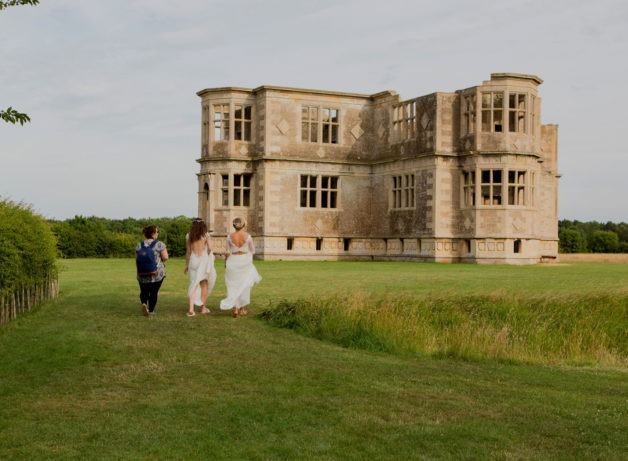 lyveden new bield wedding venue photo shoot